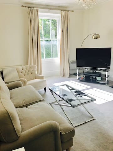 Ultra-central stylish 1 Bedroom with en suite bath