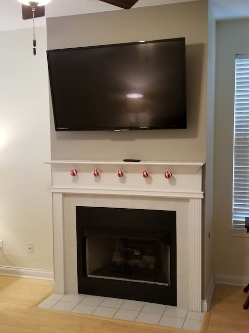 Smart TV with local antenna