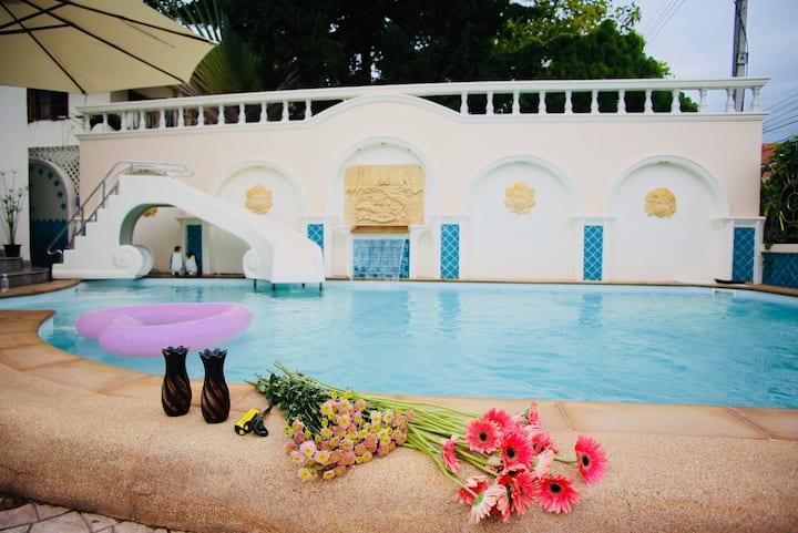 131私享高端泳池别墅 含专车司机&管家 (中文服务)|宁曼路|古城|木雕村|