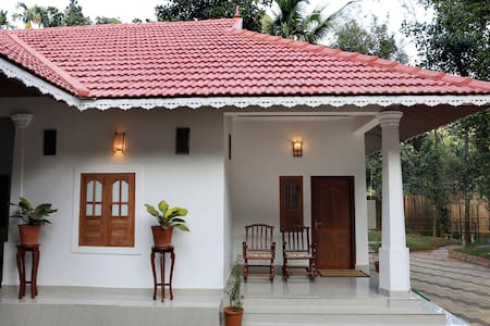 Stay at furnished Room within a serene Environment - Kalpetta
