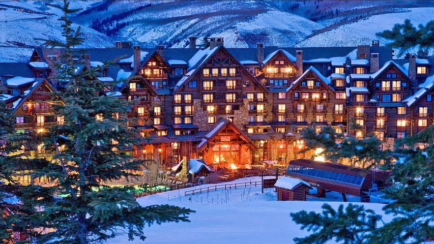 Christmas week at the luxurious Ritz in Aspen, Co