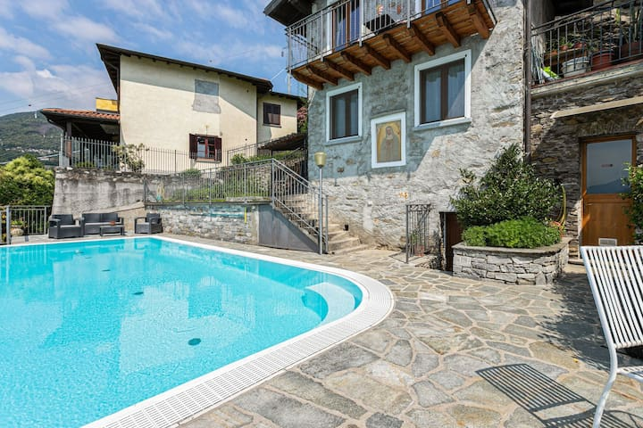 Spacious Apartment with Swimming Pool in Gravedona