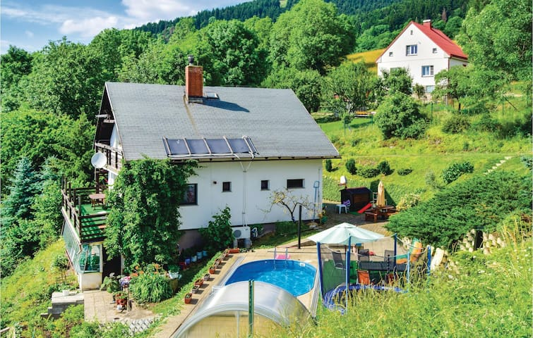 Holiday cottage with 2 bedrooms on 117m² in Prosec pod Jestedem