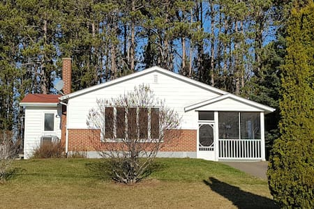 Fully equipped 3 Bdrm Air-Conditioned Bungalow