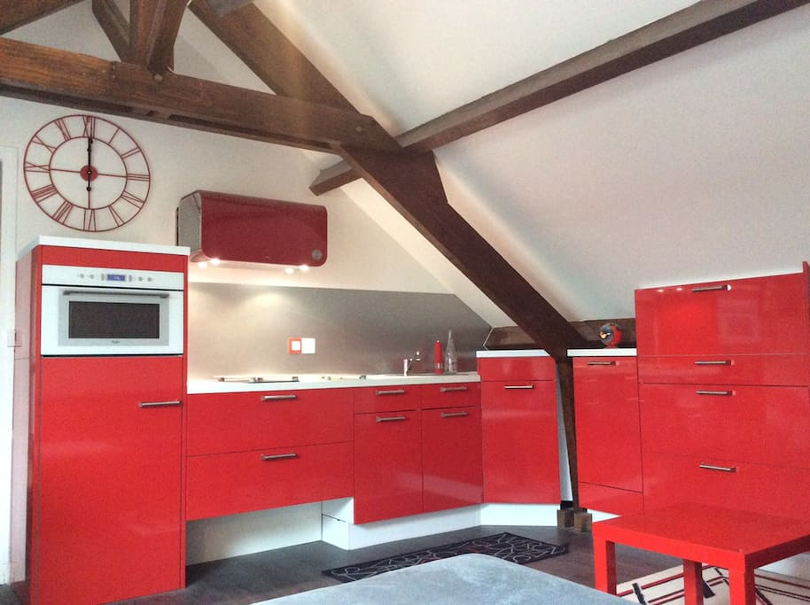Nid douillet entre paris et disney appartements louer - Nid rouge lincroyable appartement paris ...