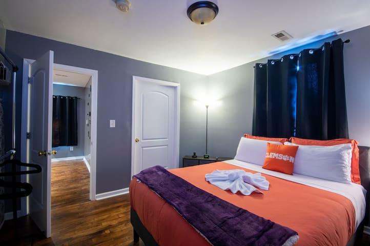 Tigertown Suite B