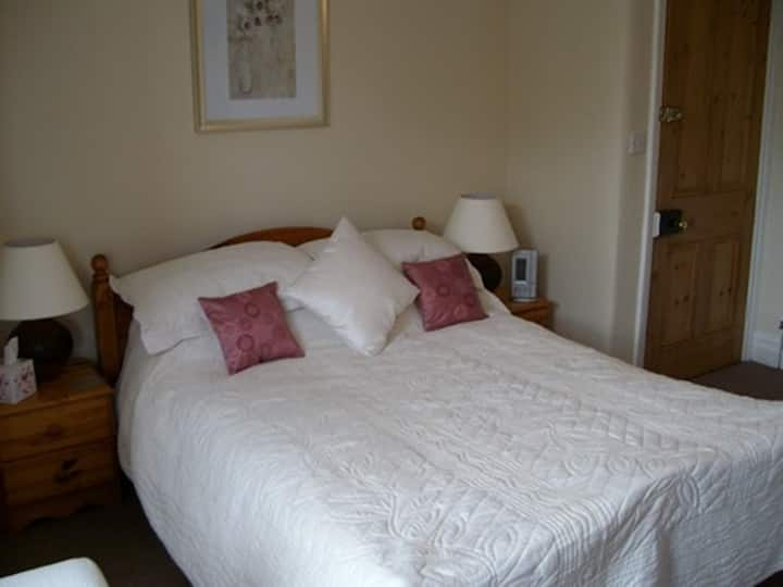 Woodleigh Bed and Breakfast Ilminster Somerse