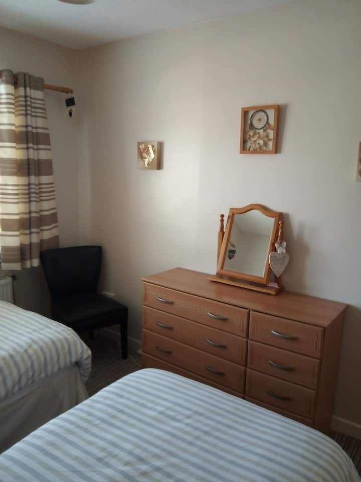 Warm comfortable home 15/20 mins Dublin airport