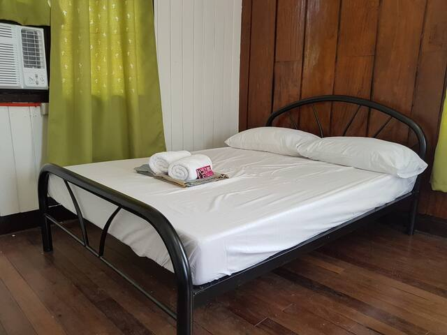 Naga city Mayon Ave-Room for 4 Daily,weekly,month