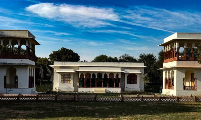 Heritage Room in abhaneri