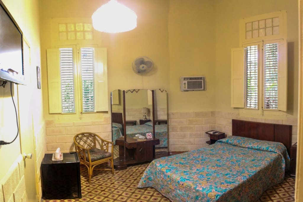 The room is fully equipped to satisfied all your needs
