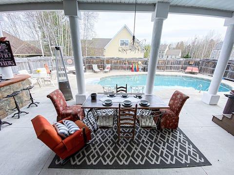度假村溫馨舒適,配有遊泳池和浴缸!