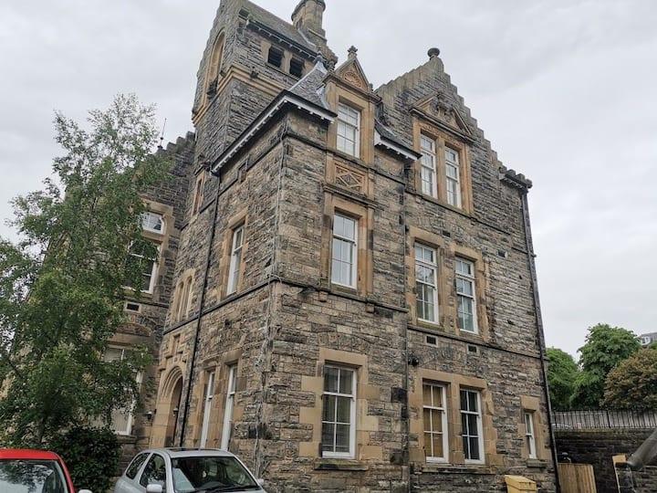 Exclusive Flat in an ex Victorian School