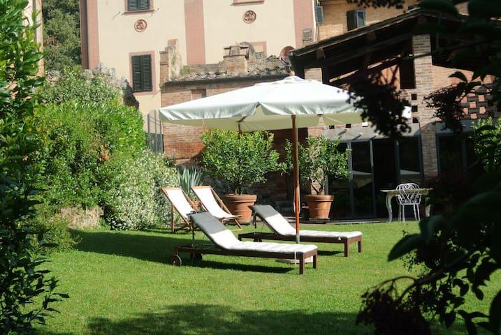 Suite Il Tinaio. A former cellar