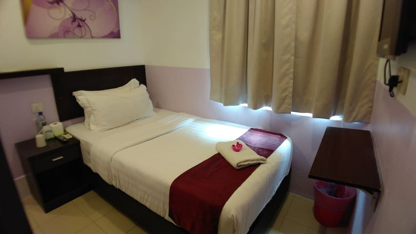 Super Single Room - Apple 1 Hotel Queensbay