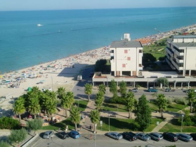 Appartamento Fronte mare con  fantastico panorama - Bivio Cascinare - อพาร์ทเมนท์