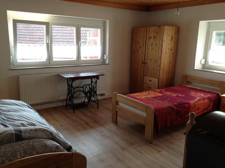 Dreibettzimmer Eselhof Rötlein bei Crailsheim A7