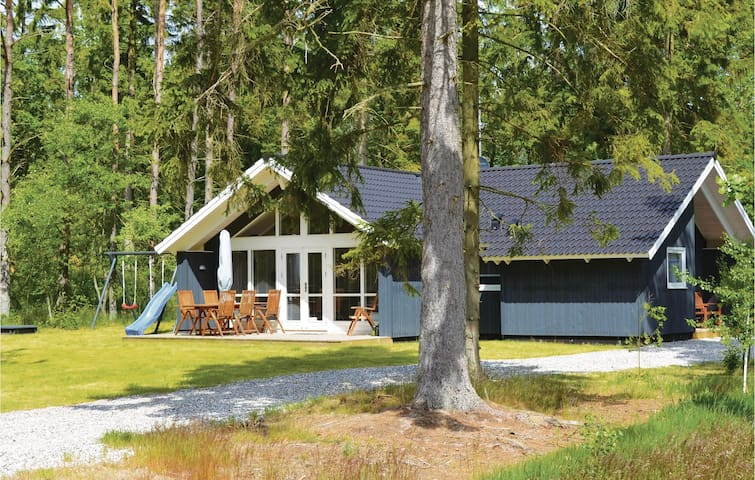 Holiday cottage with 3 bedrooms on 82 m² in Ebeltoft