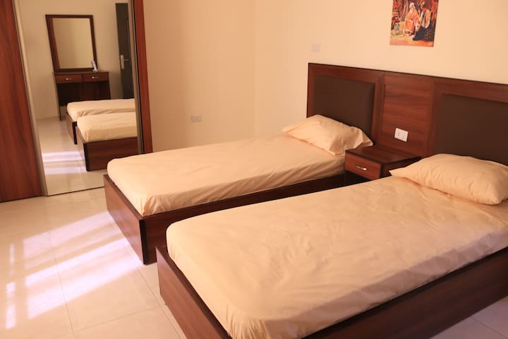 Apartment Hotel - Badan Suites