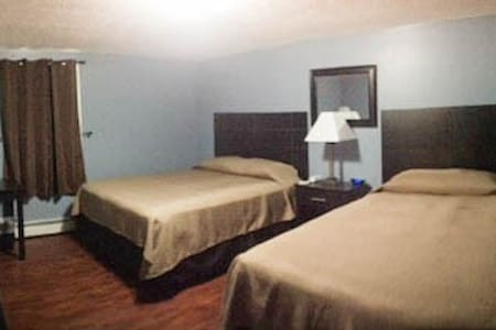 Clean modern room - Allegany - Andere