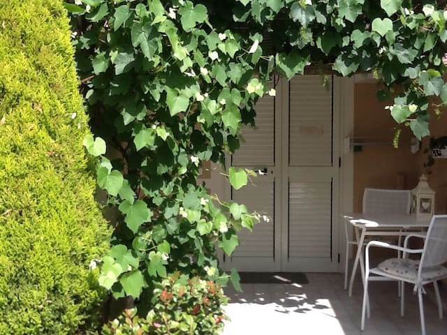 RAVENNA Apartment with garden.