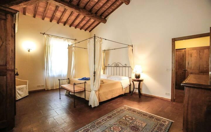 3BR apt in Villa Castelletto, Sinalunga