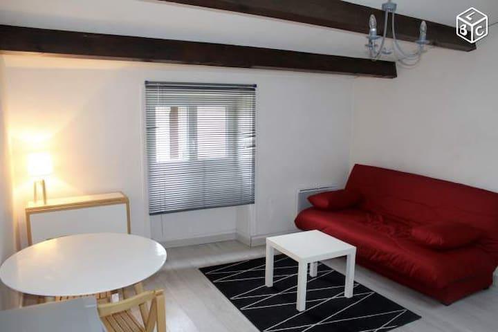 Studio meublé hyper centre La Rochelle