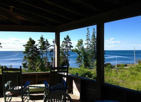 Sunrise porch, ocean views, comfort