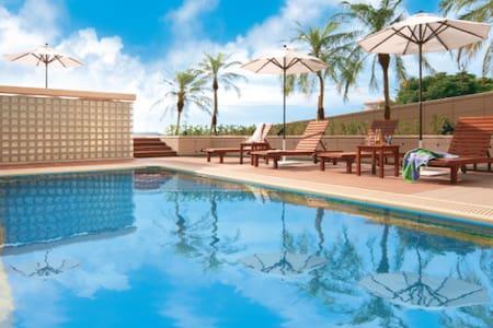 プール付きオーシャンビューアパートメント#2★ビーチ徒歩5分★子ども・駐車場無料 - Onna-son