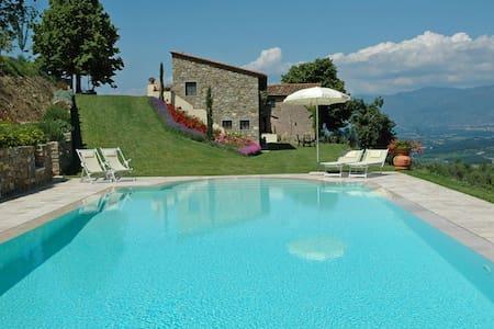 Villa in Toscana,Chianti,Firenze-Up to 8 pax - Cavriglia - 一軒家