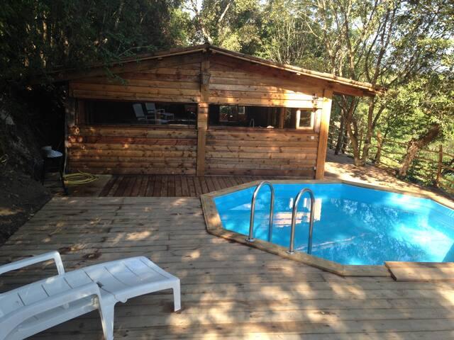 PROMO...cabane avec piscine 2 étoiles