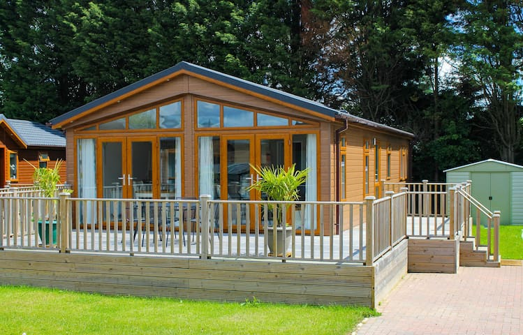 Luxury lodge in the heart of the Kentish Weald