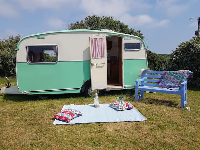 Vintage Caravan 'Daphne' Rural Getaway near Newlyn