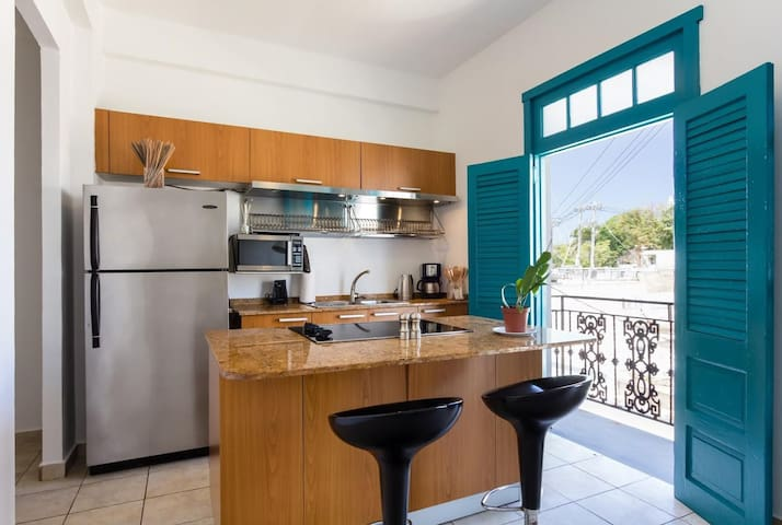 Amazing View: Unique and Enchanting 2 Bedroom Home with Ocean Views