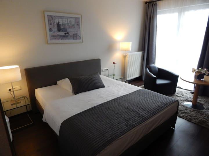 Hotel Schweizer Hof (Kassel) -, 1-Raum-Appartement, 35qm, 1 Wohn-/Schlafraum, max. 2 Personen