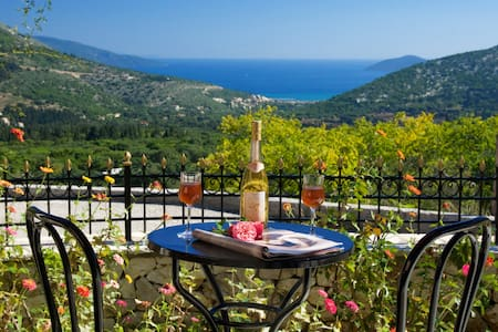 Quiet cottage with stunning view,near Myrtos beach - Cephalonia