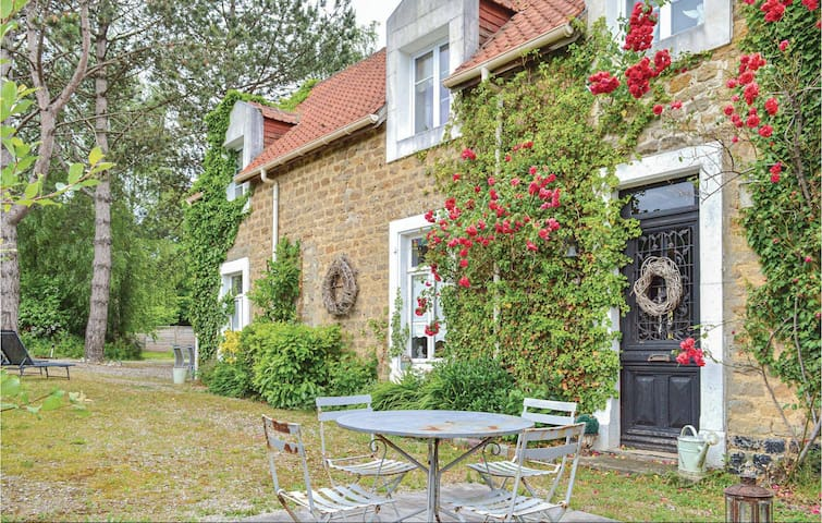 Semi-Detached with 3 bedrooms on 123m² in Carly