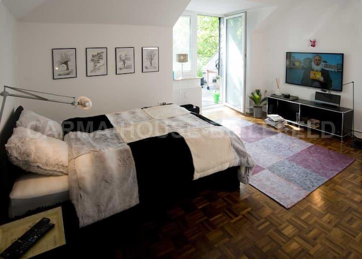 Apartment No. 2 in City Villa with car park