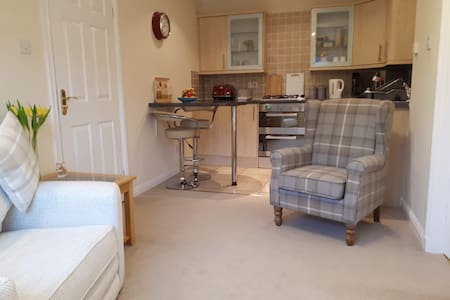 Self contained apartment close to Stirling City