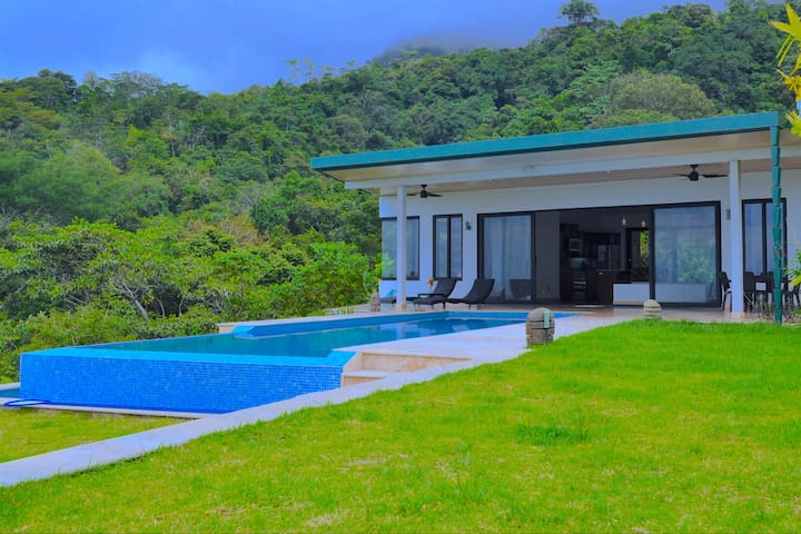 New, Private, Ocean-Mountain view, Infinity Pool - Puntarenas Province - Casa