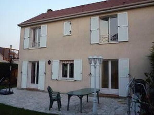 Maison avec jardin près de Paris - Morangis