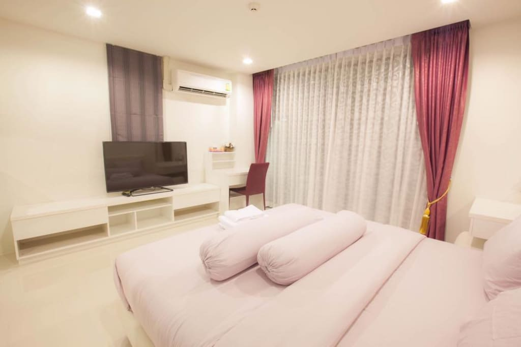 Pink room 2200 Baht/night