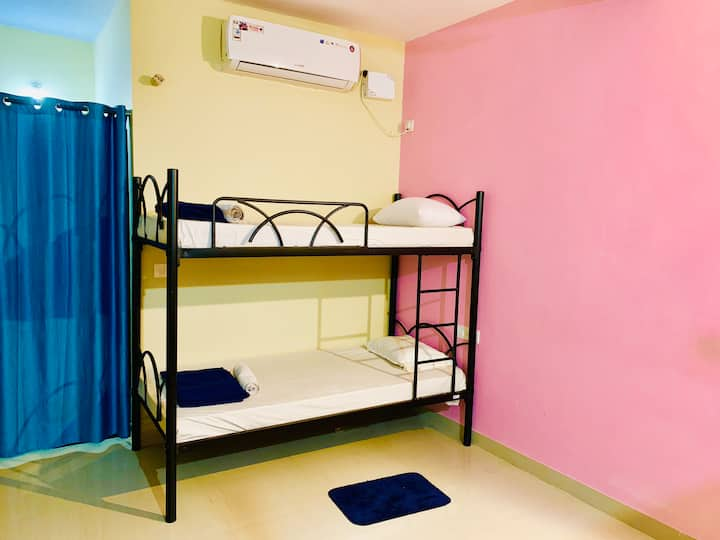 AC BunkBed for solo/backpackers in Morjim Beach