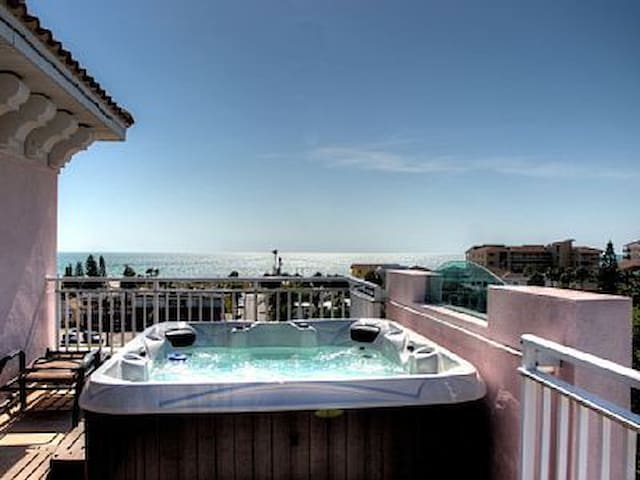 Amazing 5 story beach condo, views of everything - Clearwater - Kondominium