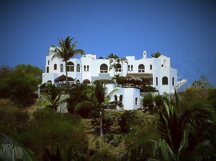 Villa La Querencia - Includes Cook/Housekeeping