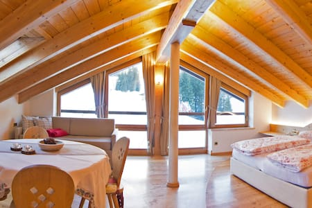 Suite for 2 on the skislopes of the Sellaronda
