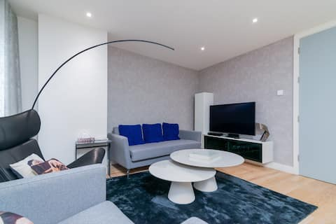 Urban Apartment in Central London for up to 4 guests!