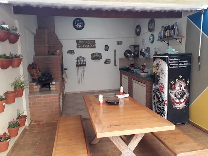 Casa em Interlagos ao lado da estação autódromo.