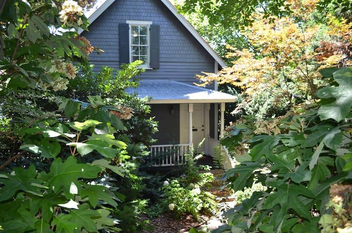 Salem Twin Deck