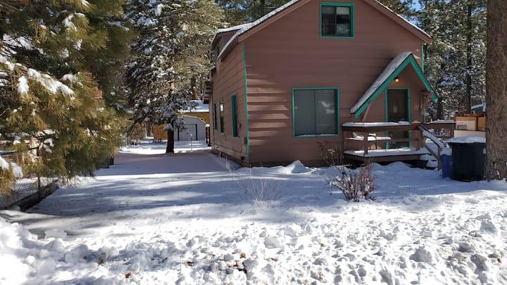Minutes from Ski Resorts and Big Bear Lake